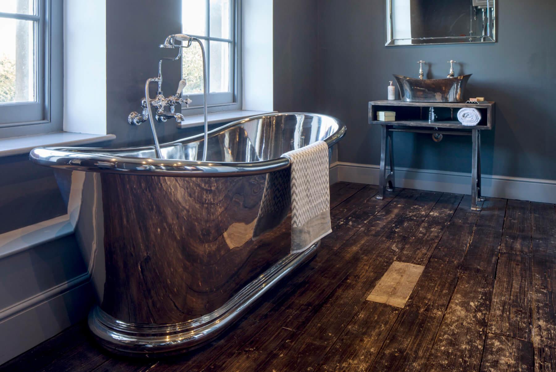 Bath-Tubs-HURLINGHAM-BULLE-NICKEL-MAIN-1800x1204
