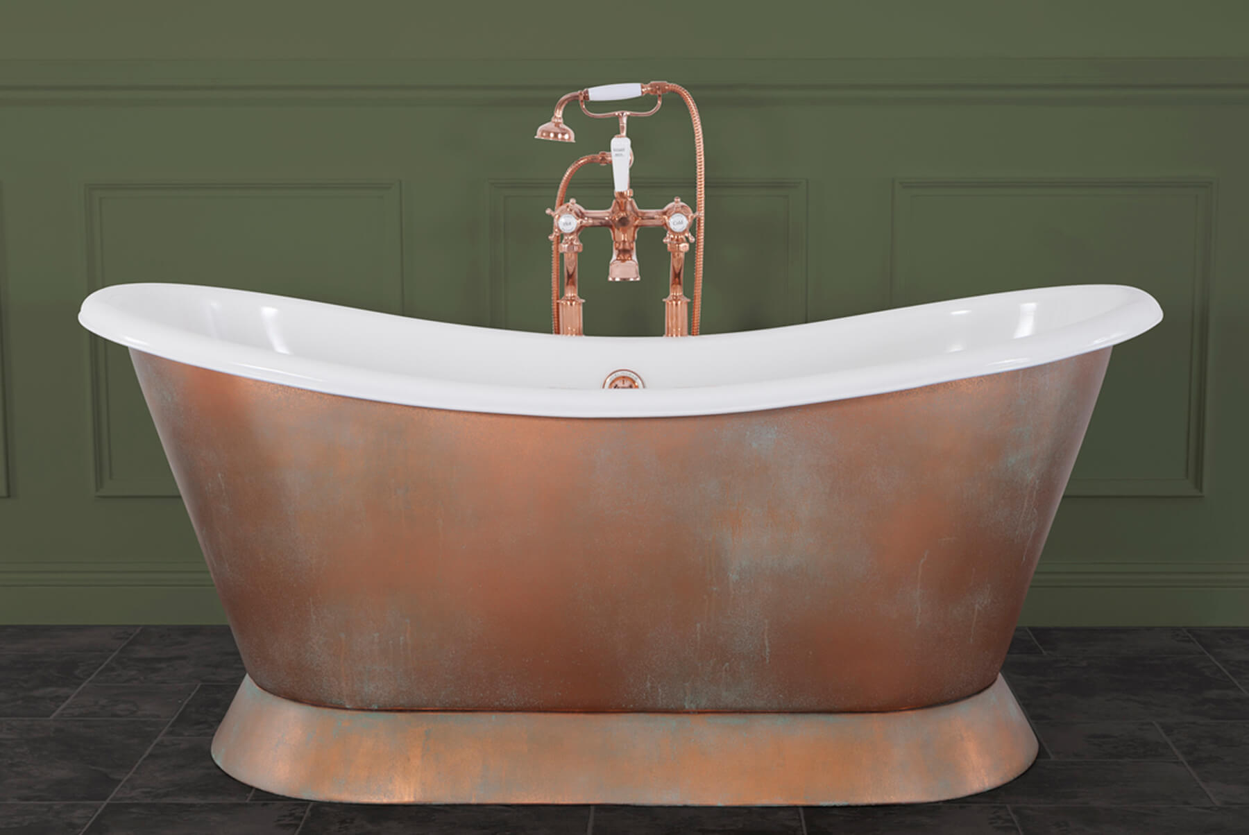 Bath-Tubs-Hurlinghma-copper-bateau-bath-white-enamel-interior-verdigris-exterior-1800x1204