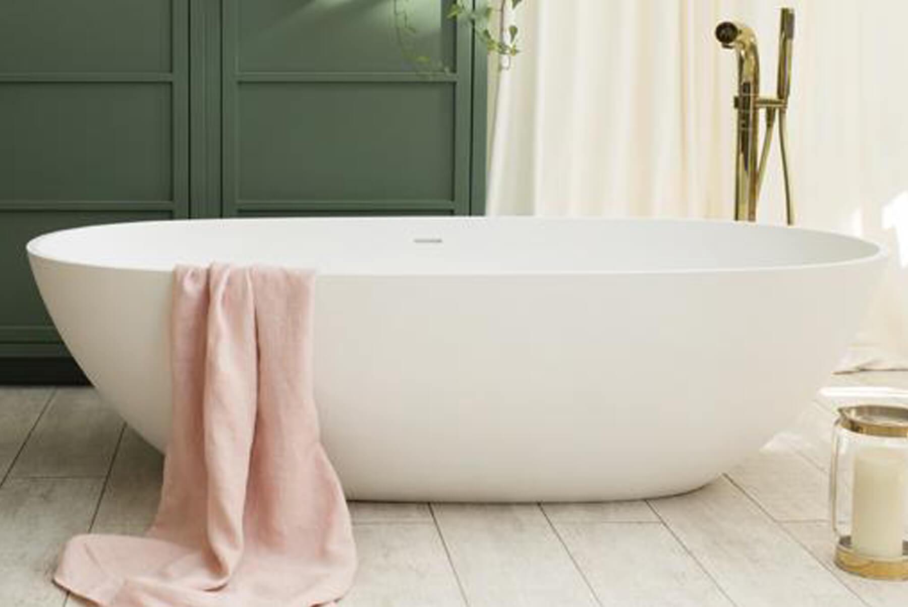 Bath-Tubs-WATERS-CLOUD-BATH-TUB-LIFESTYLE-SIDE-1800x1204