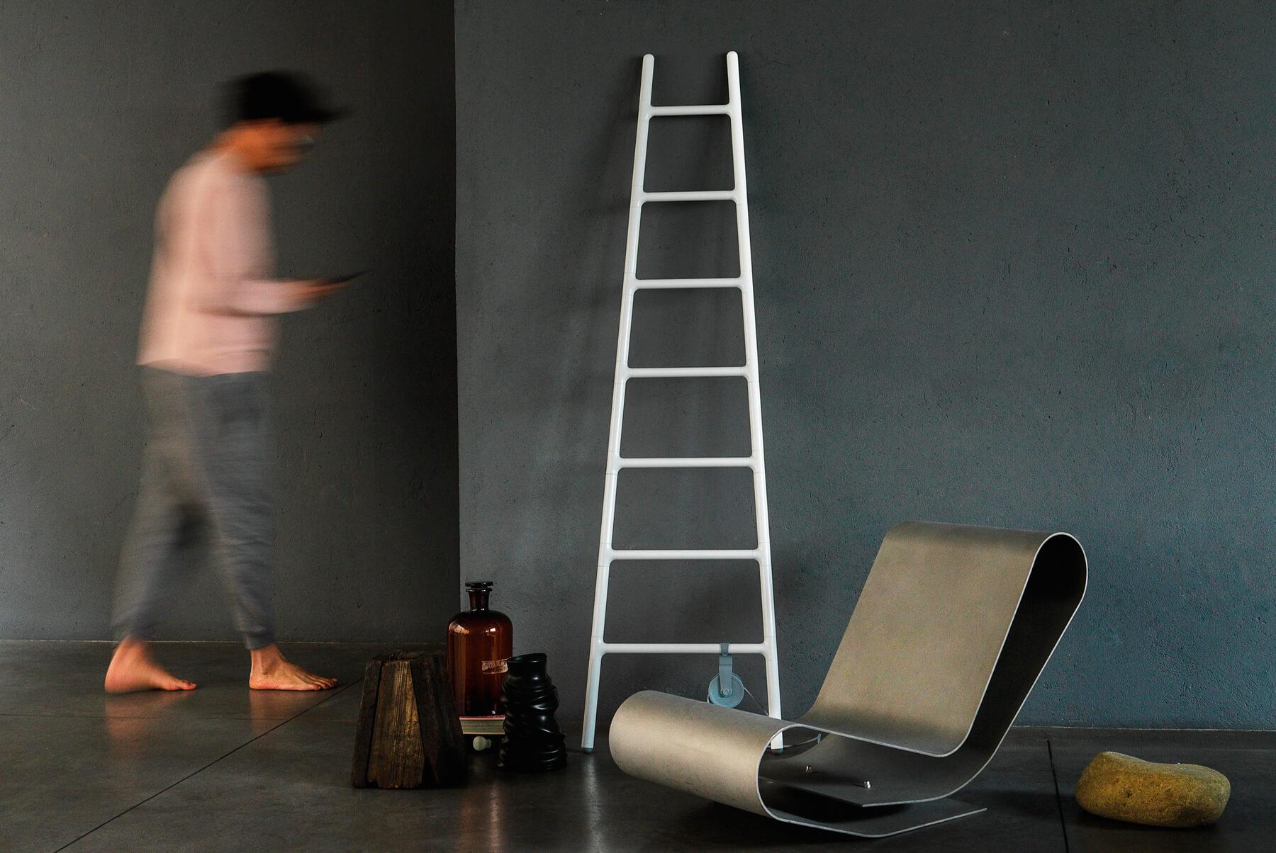 Radiators-&-Towel-Warmers-Tubes-Radiatori-Scaletta-Inset-2-1800x1204