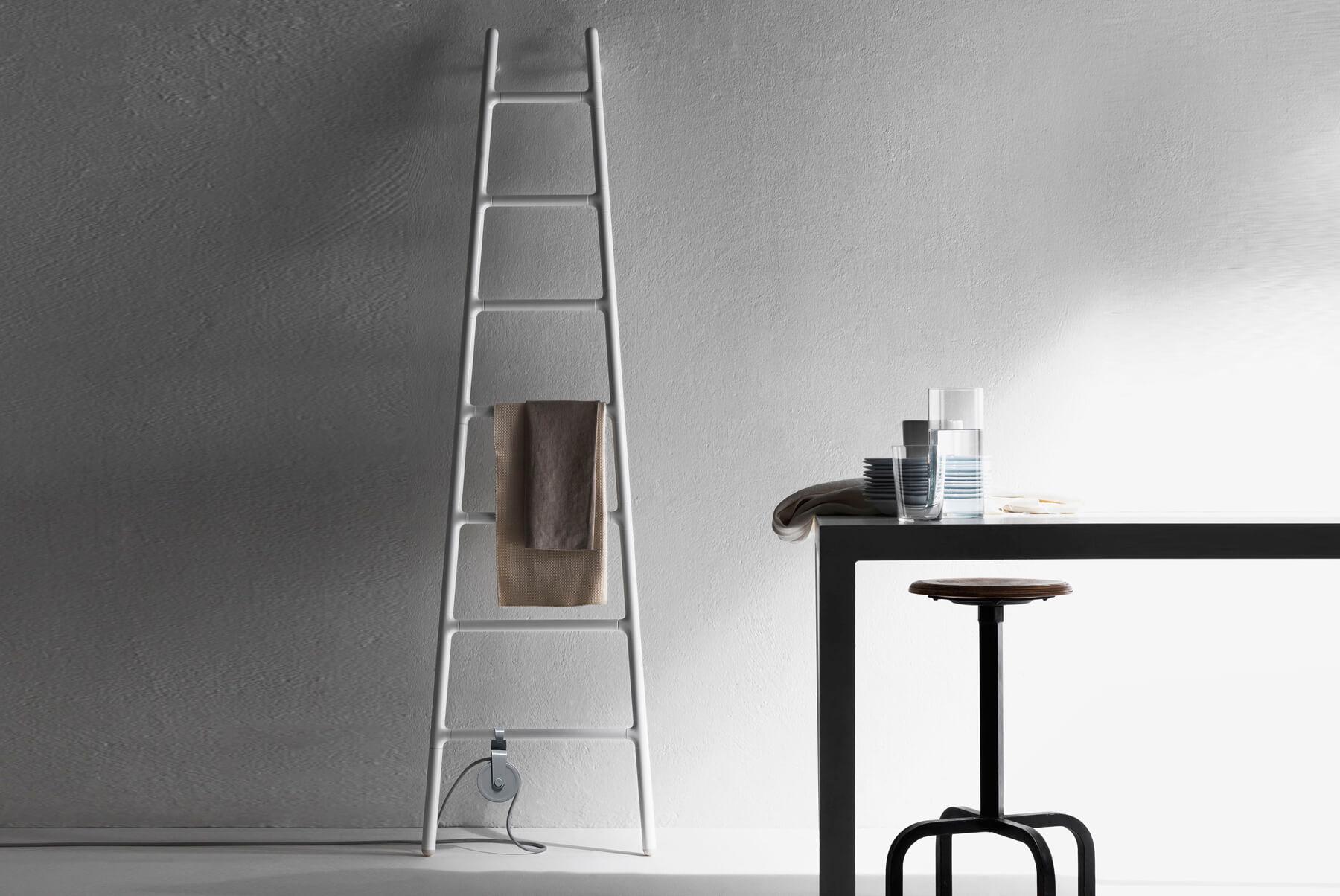 Radiators-&-Towel-Warmers-Tubes-Radiatori-Scaletta-Inset-6-1800x1204